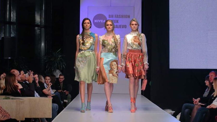 FASHION SHOW COLLECTION SPRING/SUMMER 2017