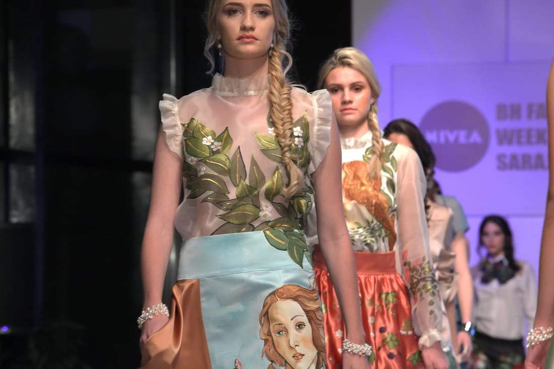 img_0683.jpg - FASHION SHOW COLLECTION SPRING/SUMMER 2017